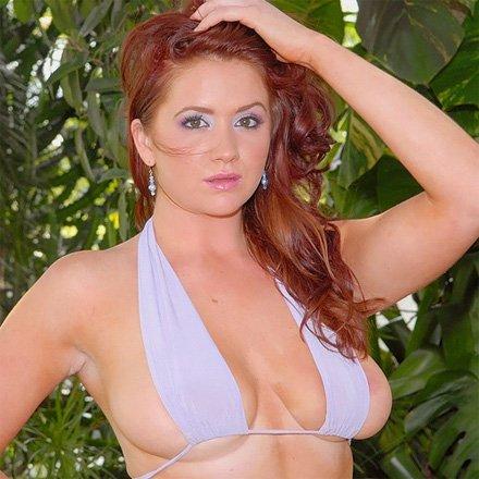 big jiggly titties in bikinis